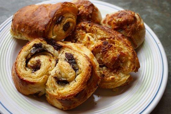EL Horno Magico, Panaderia Francesa: Chocolate and coconut horns, cheese and walnut buns, pan au chocolate