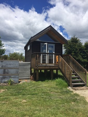 Appleby, New Zealand: Cabins and shared kitchen area