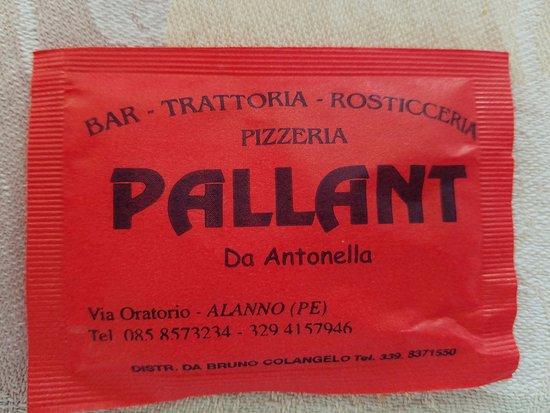 Alanno, Włochy: Sugar packet with phone