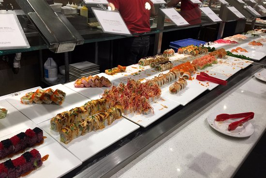 Douglaston, Estado de Nueva York: Lots of sushi rolls!