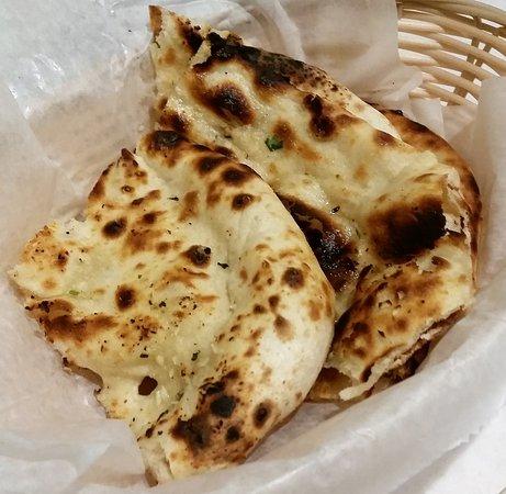 Guilderland, นิวยอร์ก: Garlic Naan.