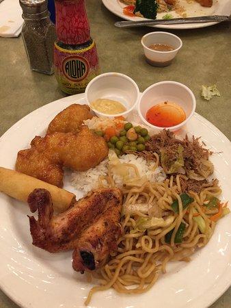 Garden Court Buffet : Hawaiian a Filipino oriented buffet