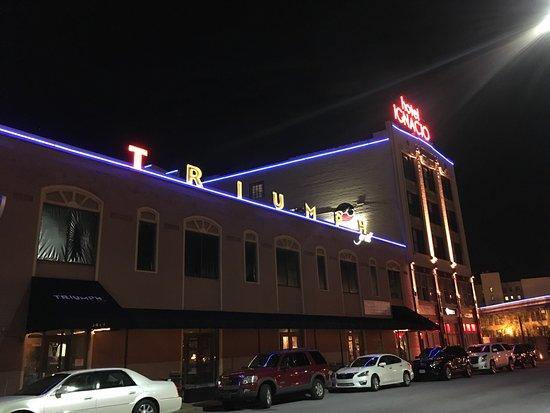 Triumph Grill: photo0.jpg
