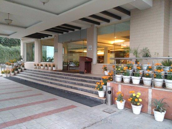Baddi, الهند: Hotel Enterence