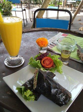 Bali Buda: tuna rolled