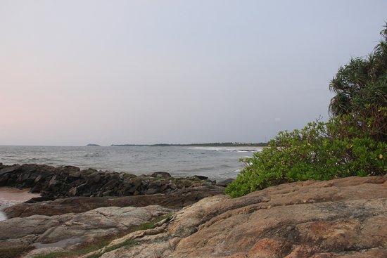 Bentota, Sri Lanka: Каменная бухта.