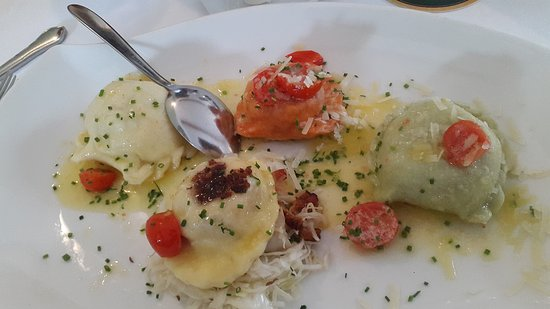 Arnoldstein, ออสเตรีย: Cena a base di oca veramente buonissima
