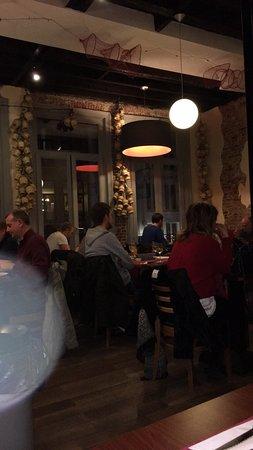 Gezellig interieur - Picture of Pizzeria del Sud Classico, Antwerp ...