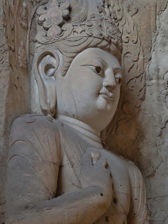 Datong, China: Гуаньинь - божество, обычно в женском обличье, которое спасает людей от всевозможных несчастий.