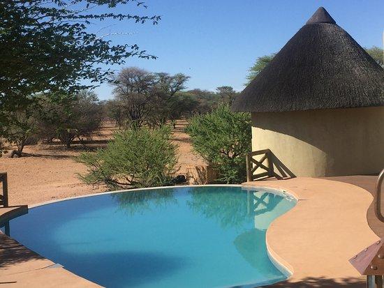 Ozongwindi Lodge