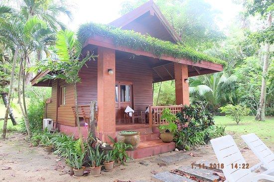Garden Seaview - Picture of Baan Mai Beachfront Lone Island, Phuket