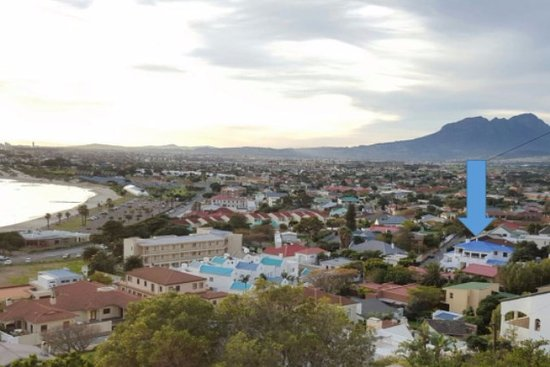 Gordon's Bay, Sydafrika: Big Skies Guesthouse is only 300m from Gordons Bay's main beach