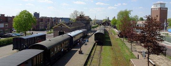 Haaksbergen, The Netherlands: Blick von der Brücke auf das Gelände