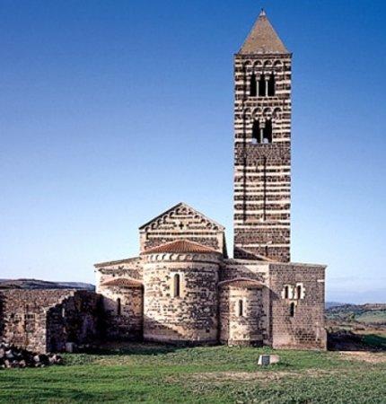 Province of Sassari, Italia: Sassari: la chiesa della Trinità di Saccargia - l'abside.