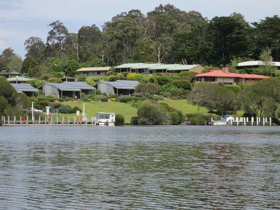 Gipsy Point, Austrália: Blick vom Boot auf die schön gepflegte Anlage