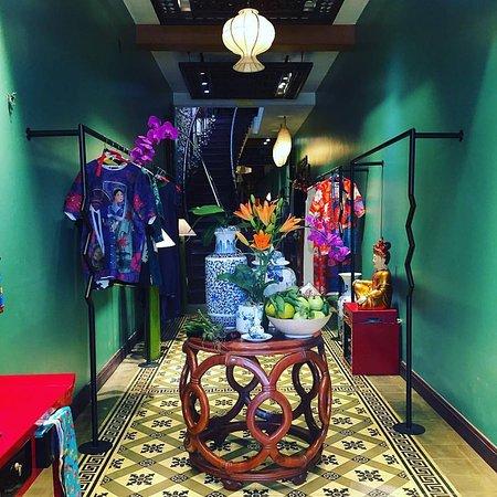 Ha Linh Thu - House of Silk