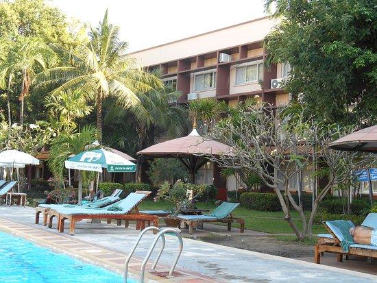 Basaya Beach Hotel & Resort Image