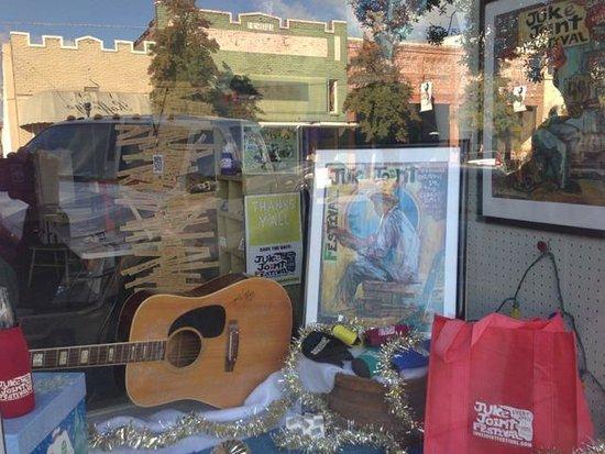 Cat Head Delta Blues & Folk Art: Cat Head Delta Blues & Folk Art -- Near the Juke Joint Festival Headquarters