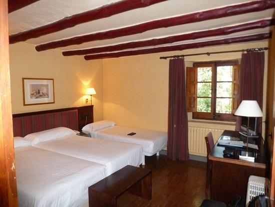 Berrioplano, Spain: Nuestra habitación