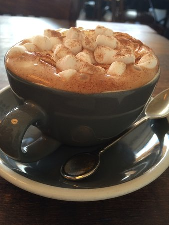 Kings Langley, UK: Amazing hot chocolate!