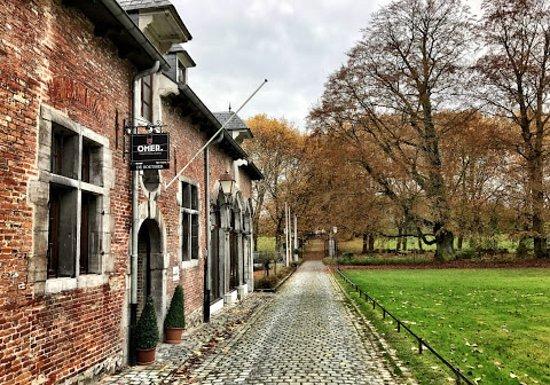 Ruisbroek, Bélgica: De herfst kleurt het park mooi