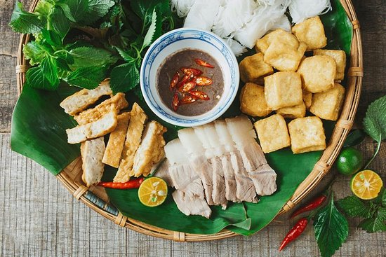 Bún đậu mắm tôm - Vietnamese Vermicelli With Fried Tofu & Shrimp Paste