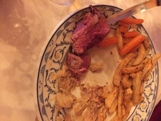Fuenteheridos, España: solomillo crudo y patatas frias