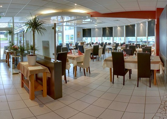 Restaurant de la piscine sarreguemines restaurant for Piscine de sarreguemines