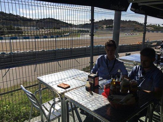 Restaurante restaurante pit stop en jerez de la frontera for Cocina y alma jerez