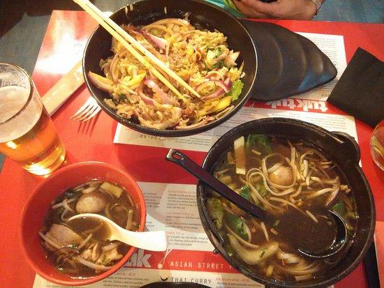 tuk tuk asian street food pera n sopa thai y tallarines tipo ramen