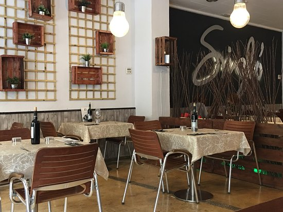 Binissalem, İspanya: Buen ambiente y muy buena comida