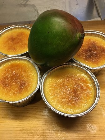 Pangbourne, UK: Special creme caramel al mango