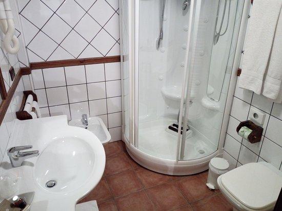 Монтджовет, Италия: interno bagno