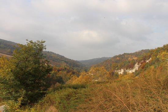 Borgomale, Italia: Vue dégagée sur le vallon