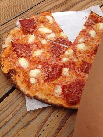 Chimacum, วอชิงตัน: Skinkepizza - mega lækkert