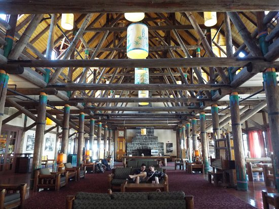 Paradise Inn at Mount Rainier: Great place to listen to live piano in the evening
