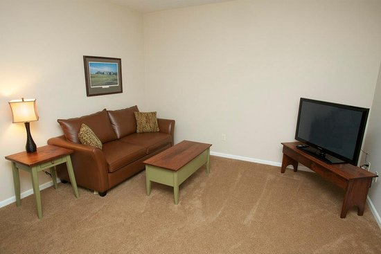 Gaylord, MI: Seating Area (Lower Level) - Loon Townhome