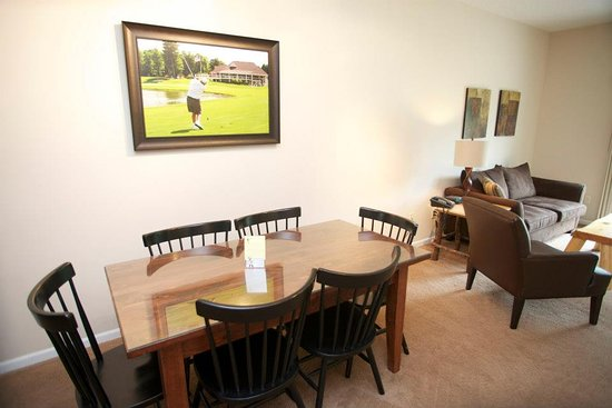 Gaylord, MI: Dining/Living Area of Loon Townhome