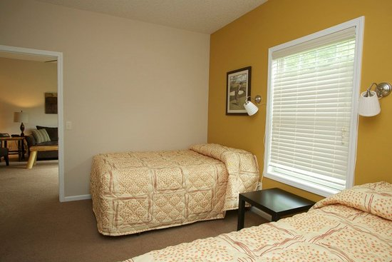 Gaylord, MI: Bedroom - Loon Townhome