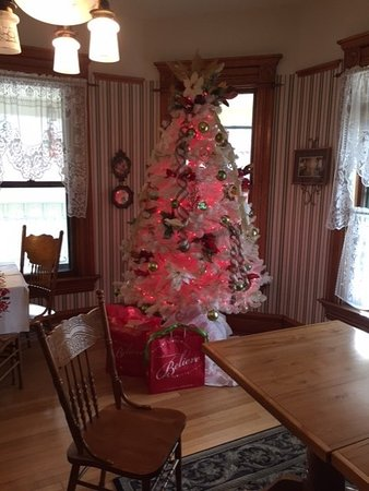 Westby, WI: Parlor Christmas tree in main house