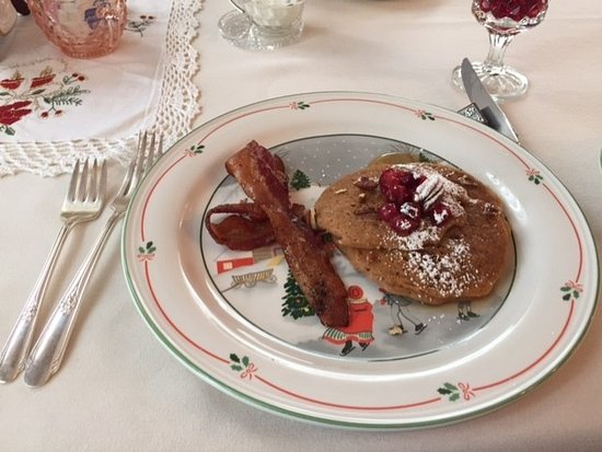 Westby, WI: Breakfast on Christmas china, included with your stay.  Meals vary.