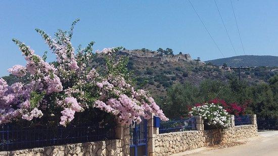 Peratata, Greece: Kastro; wat een mooie, strategische ligging !!