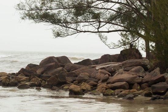 Ouvidor Beach: Vista da praia.