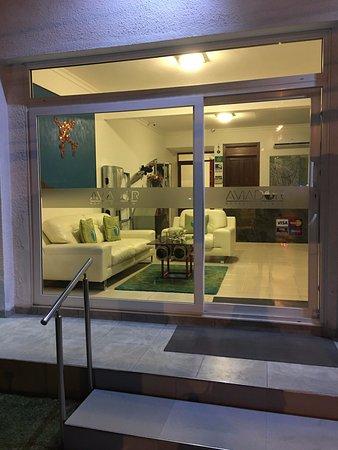 Bezirk Santa Cruz, Bolivien: Ingreso a recepción en AVIADOR® Hotel Boutique