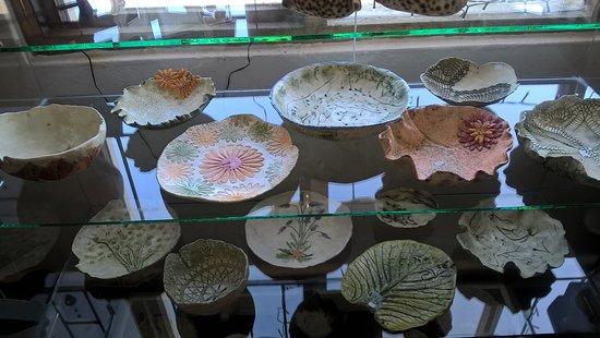 Studio 46: Beautiful Handpainted plates