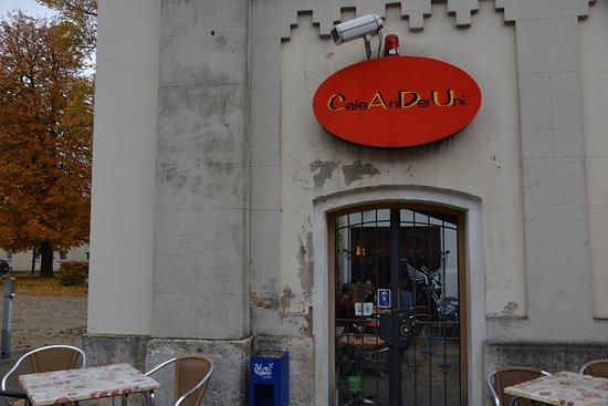 Cafe an der Uni (CADU): Bescheidener Eingang