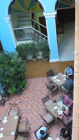 Hotel del Tejadillo: View from room 214 down into the inner courtyard