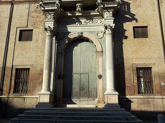 Entrata a palazzo prosperi sacrati foto di quadrivio - Palazzo turchi di bagno ...