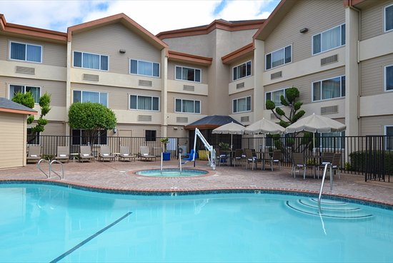 Inn & Suites At Discovery Kingdom Photo