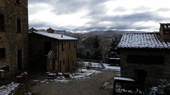 Pietralunga, อิตาลี: la prima neve dell'anno.....